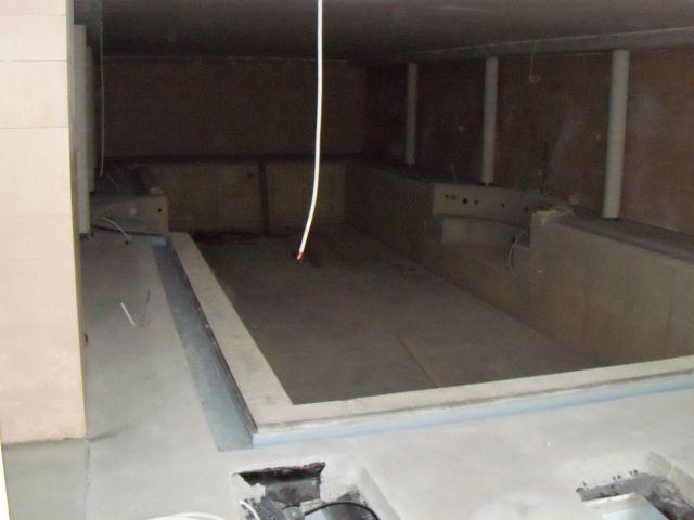 Bouwdroger Snel drogen van een zwembadruimte. 1
